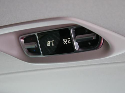 Mercedes V-Class - hátsó digitális klíma